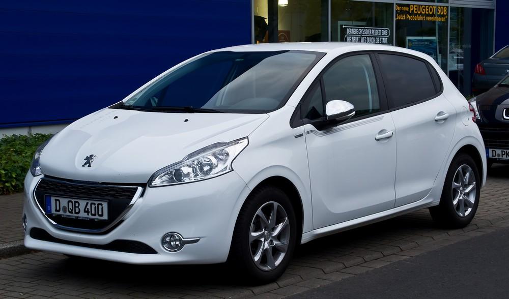 Peugeot-208-Style
